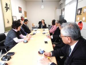 15年2月党県議団が戸羽市長と懇談