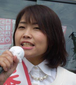 宮古駅前で訴える吉田恭子さん